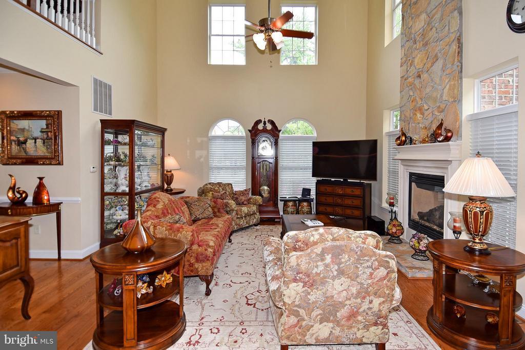 Family Room - 4001 VIRGINIA ST, FAIRFAX