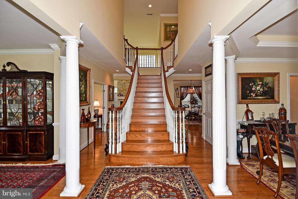 Foyer - 4001 VIRGINIA ST, FAIRFAX