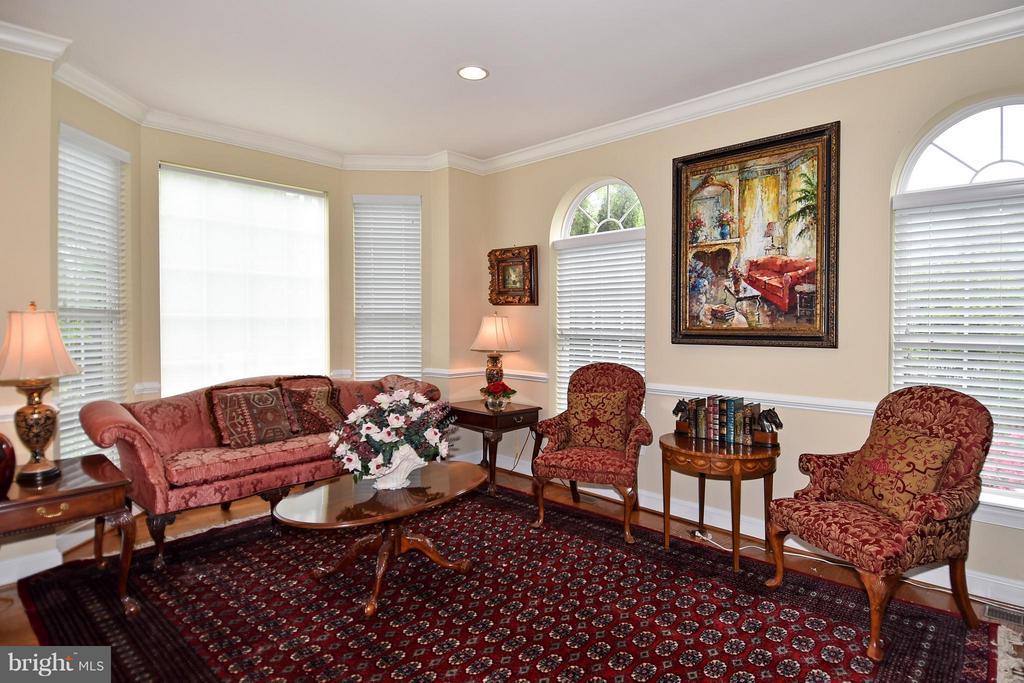 Living Room - 4001 VIRGINIA ST, FAIRFAX