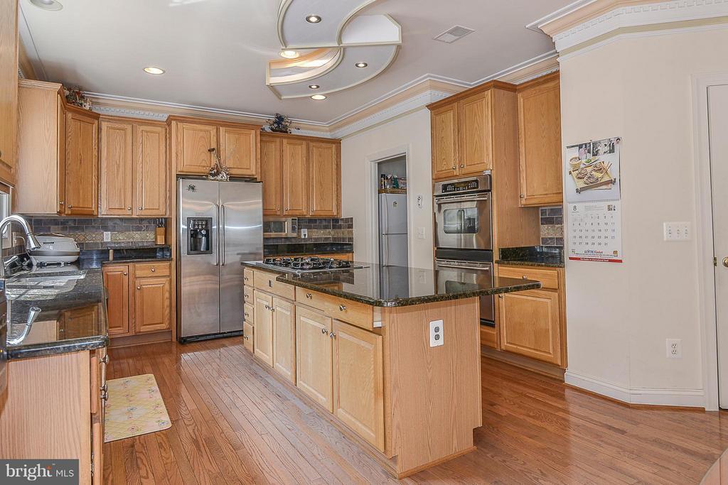 Kitchen - 4493 ARNIEL PL, FAIRFAX