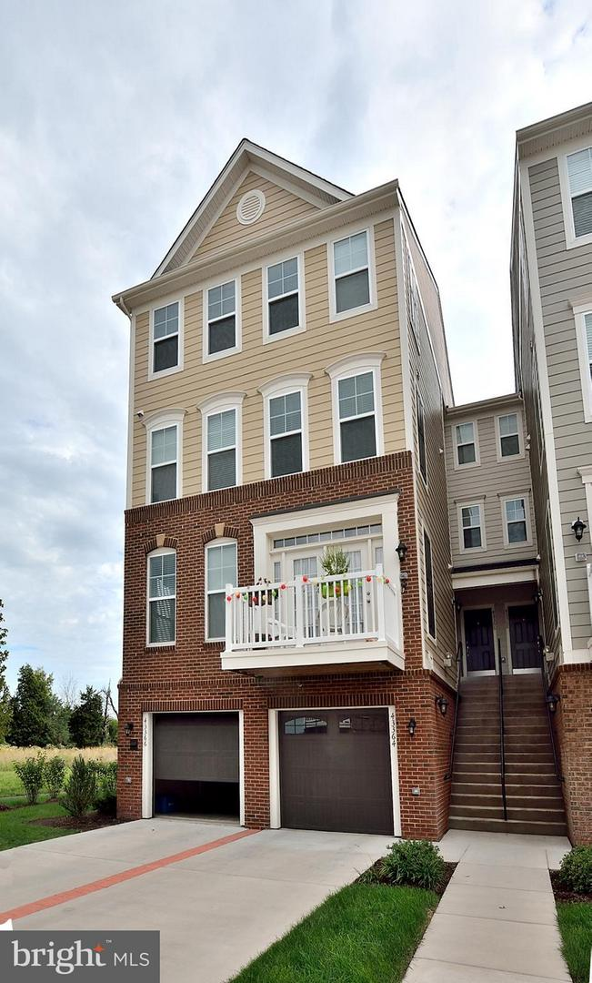 Other Residential for Rent at 43366 Town Gate Sq Chantilly, Virginia 20152 United States