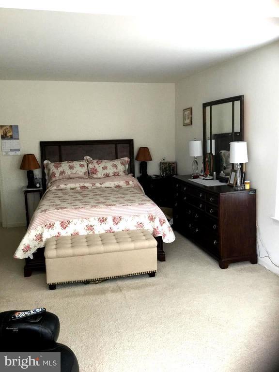 Bedroom (Master) - 15 SHEPHERDS HOOK WAY, STAFFORD