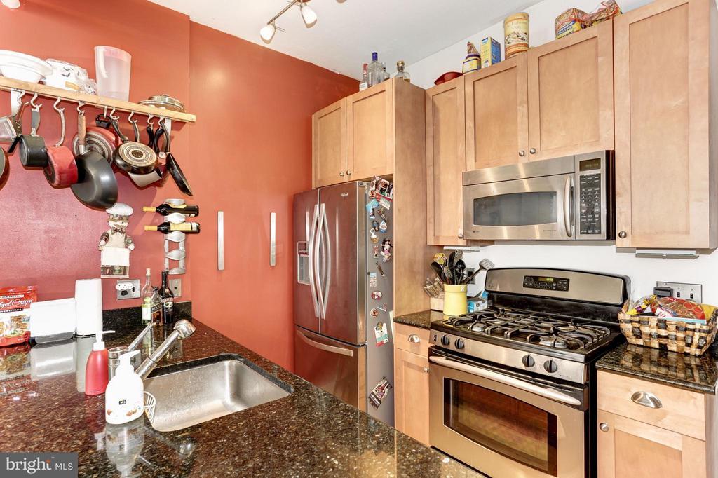 Kitchen - 809 6TH ST NW #55, WASHINGTON