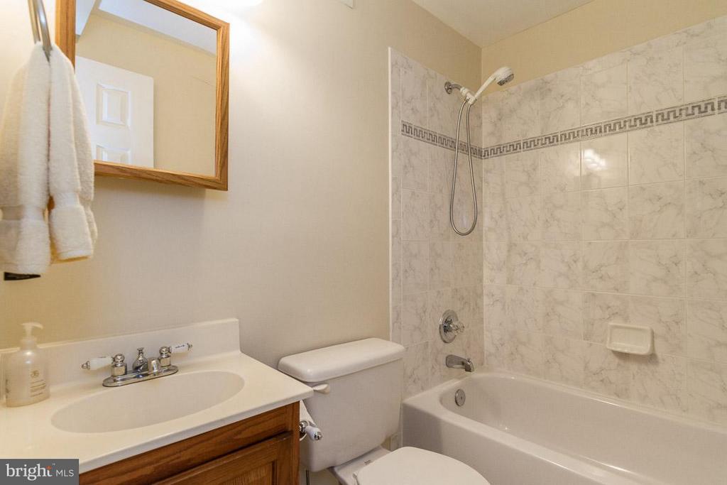 Basement Bath - 131 WASHINGTON ST, OCCOQUAN