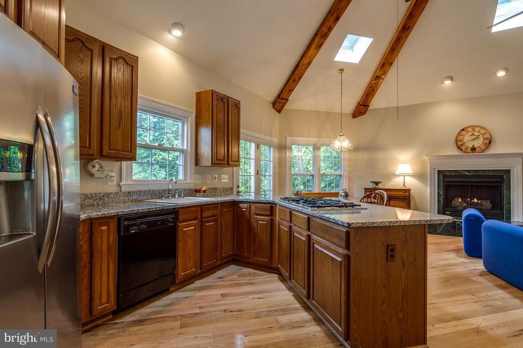 Kitchen with beautiful wood flooring - 131 WASHINGTON ST, OCCOQUAN