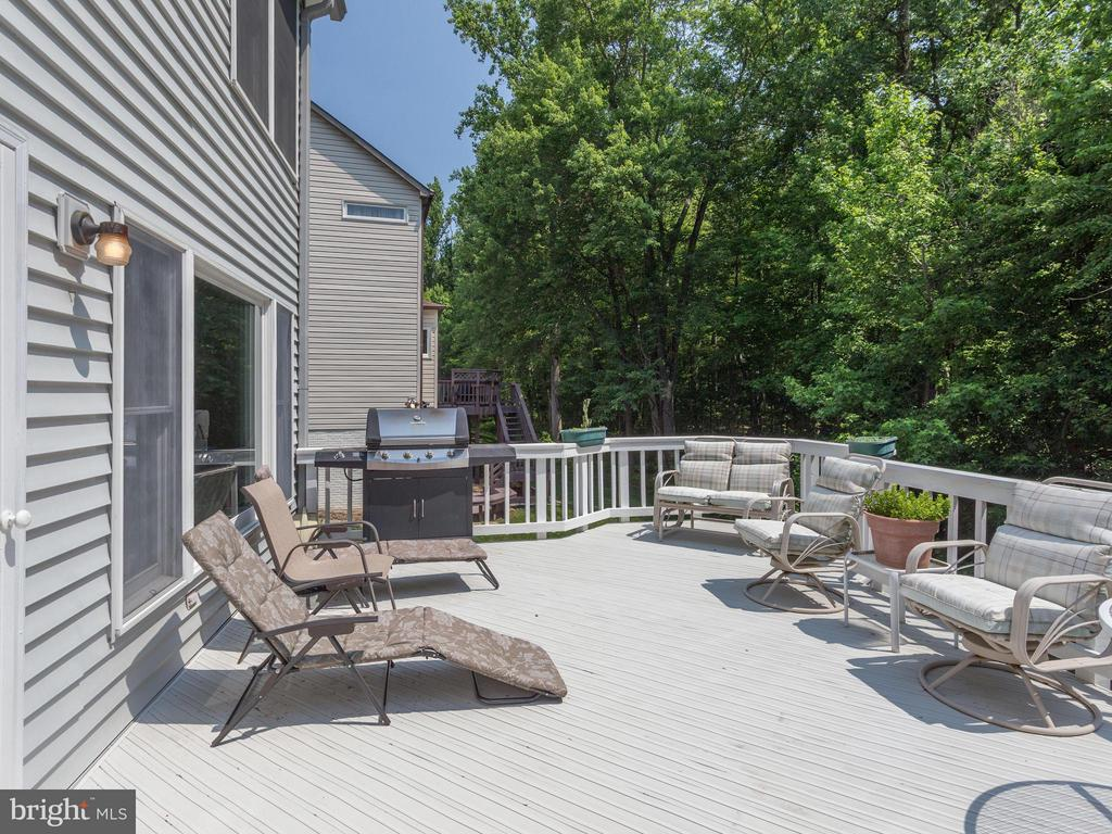 Deck accessed from family room - 9424 WOODED GLEN AVE, BURKE
