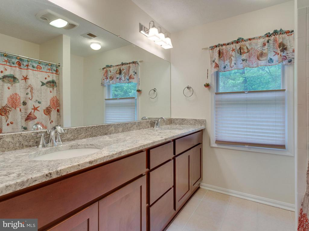 Recently updated Hall Bathroom - 9424 WOODED GLEN AVE, BURKE