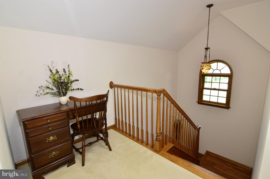 Upstairs - 3821 CHANTILLY RD, CHANTILLY
