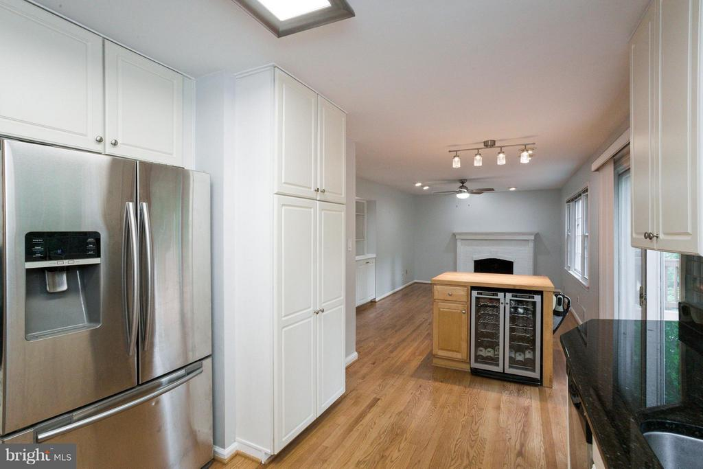 Stainless Steel Appliances - 6057 TAMMY DR, ALEXANDRIA