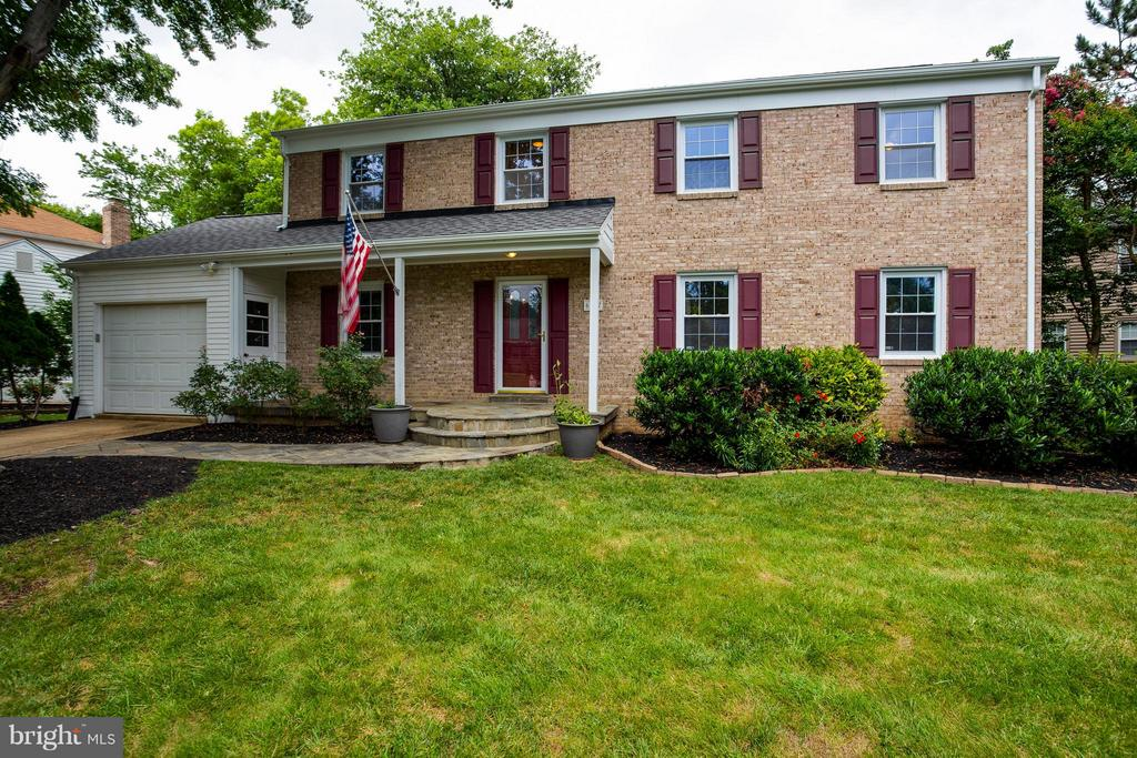 Great Curb Appeal! - 6057 TAMMY DR, ALEXANDRIA