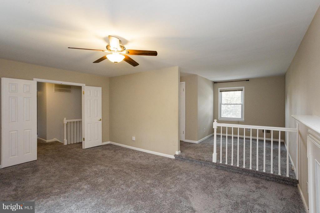 Newer Wall-to-Wall Carpet - 6057 TAMMY DR, ALEXANDRIA