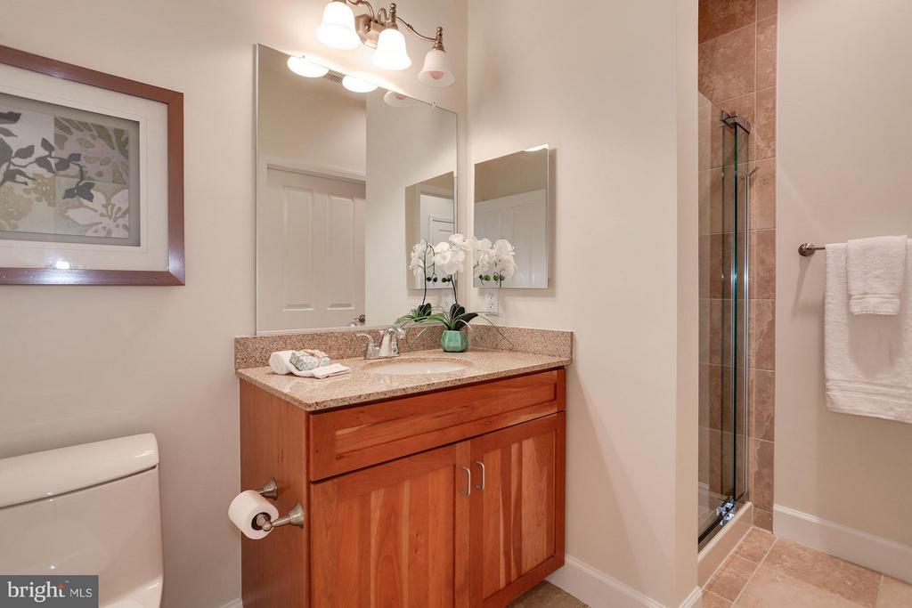 Master Bath - 1220 FILLMORE ST #PH11, ARLINGTON