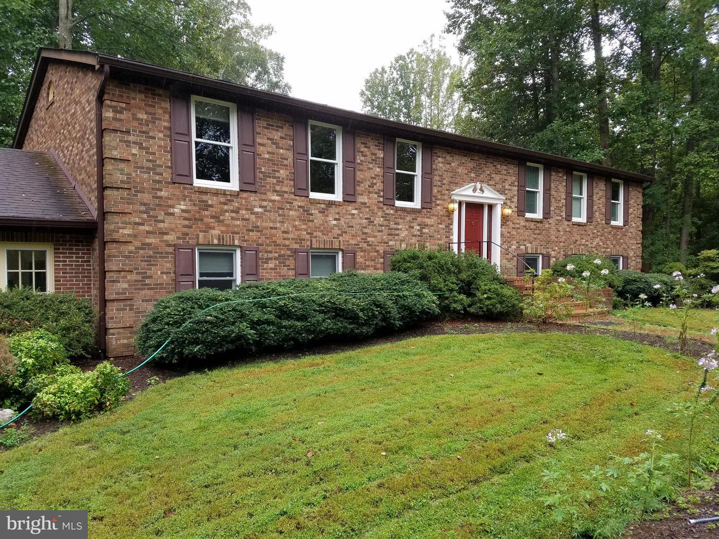 Other Residential for Rent at 11501 Lakewood Ln Fairfax Station, Virginia 22039 United States