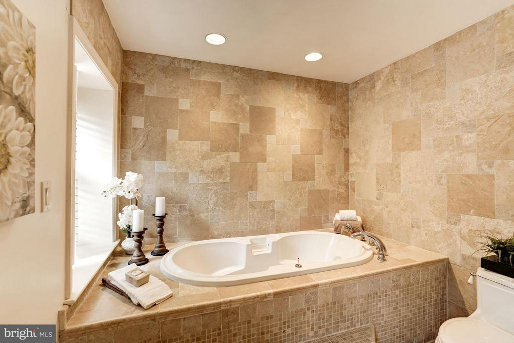 Custom Master Bath Soaking Tub - 740 POTOMAC RIVER RD, MCLEAN