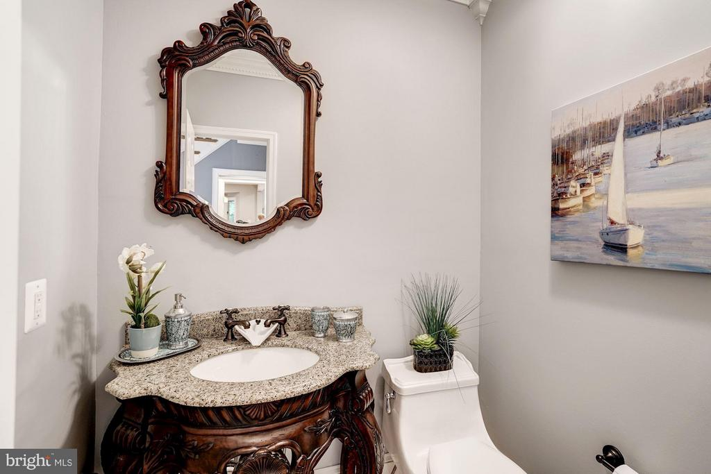 Main Level Powder Room - 740 POTOMAC RIVER RD, MCLEAN