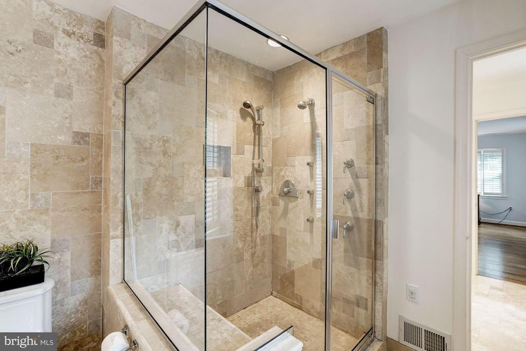 Master Bath-Glass Walk-in Shower, Multi Jets, Seat - 740 POTOMAC RIVER RD, MCLEAN