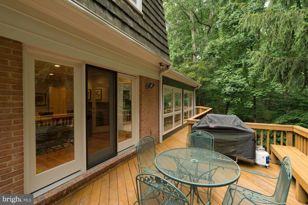 Large Deck- Room For Grill & Outdoor Furniture - 740 POTOMAC RIVER RD, MCLEAN