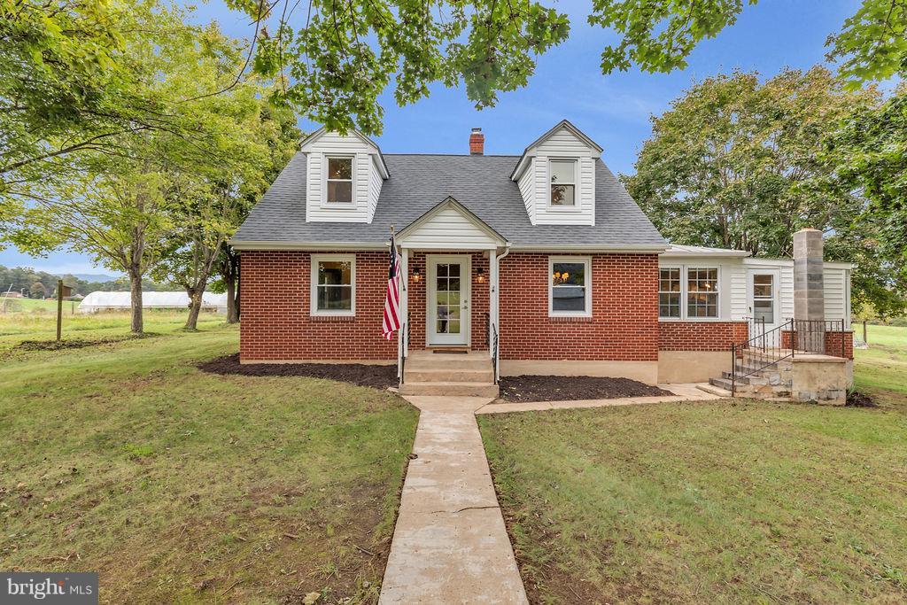 Farm for Sale at 12 Lockhart Ln Bentonville, Virginia 22610 United States