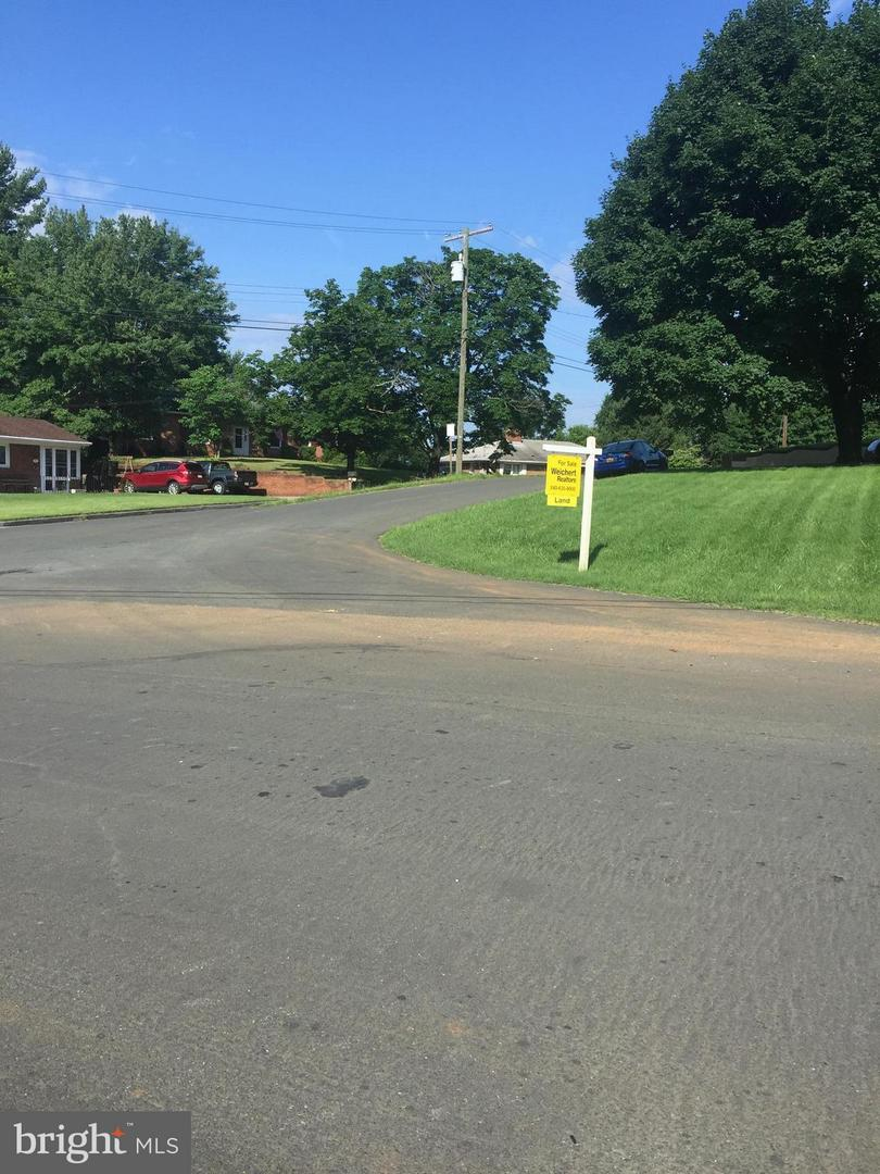 Additional photo for property listing at Accomac Rd Front Royal, Virginia 22630 United States