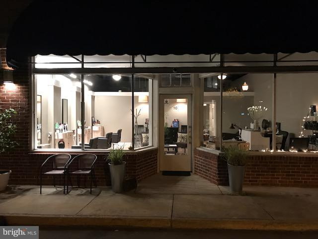 Commercial for Sale at 10 Hawthorn Street 10 Hawthorn Street Colonial Beach, Virginia 22443 United States