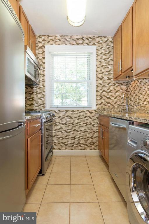 Kitchen - 208 TRENTON ST #208-2, ARLINGTON