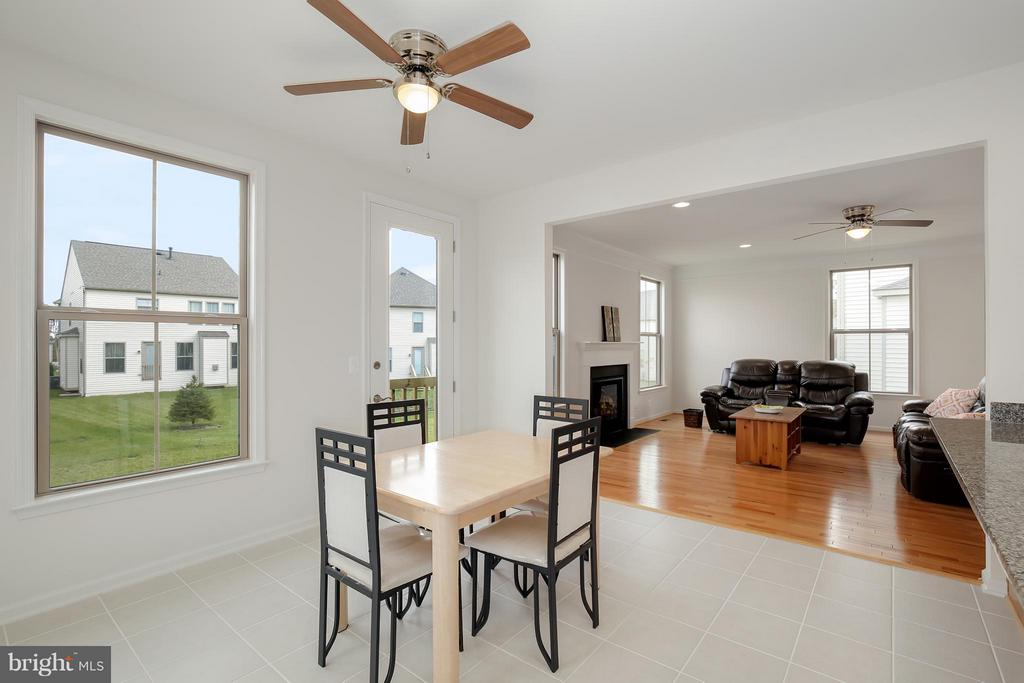 Kitchen Table Space - 42522 OXFORD FOREST CIR, CHANTILLY