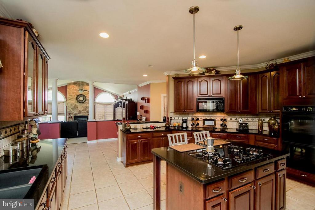 Kitchen - 15 PINKERTON CT, STAFFORD