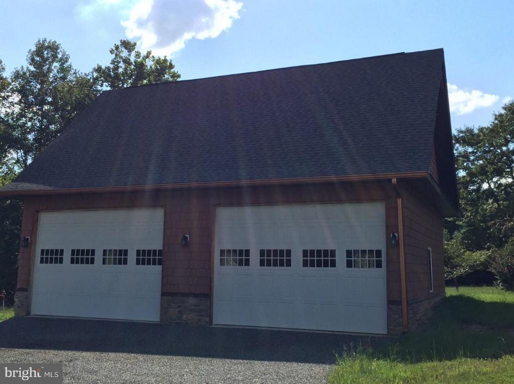 Huge detached garage - 14800 COMFORT LN, MINERAL