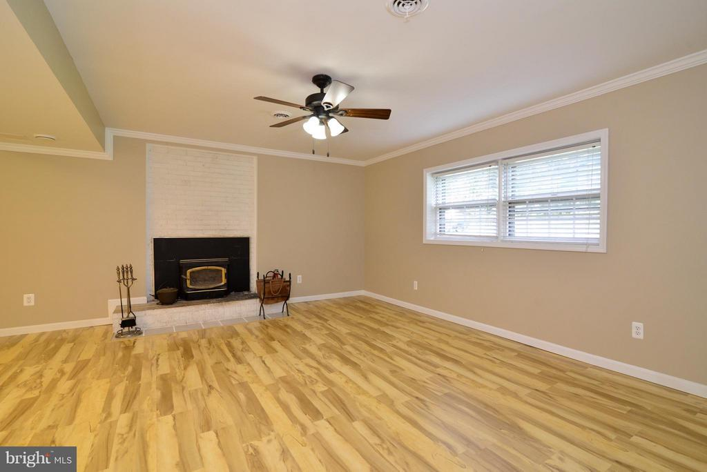 Lower level Family Room - 6401 NEWMAN RD, CLIFTON