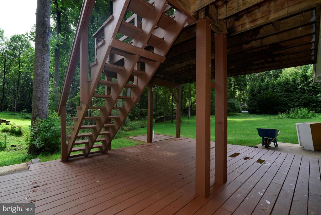 Lower level deck - 6401 NEWMAN RD, CLIFTON