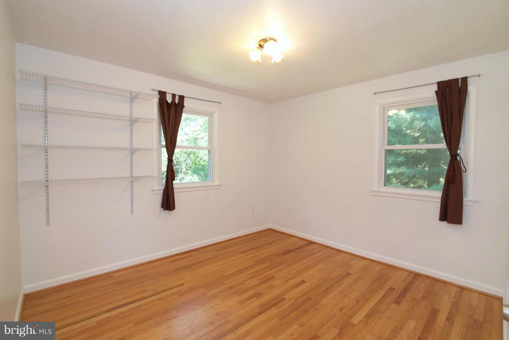 Second Bedroom - Main Level - 3812 SLEEPY HOLLOW RD, FALLS CHURCH