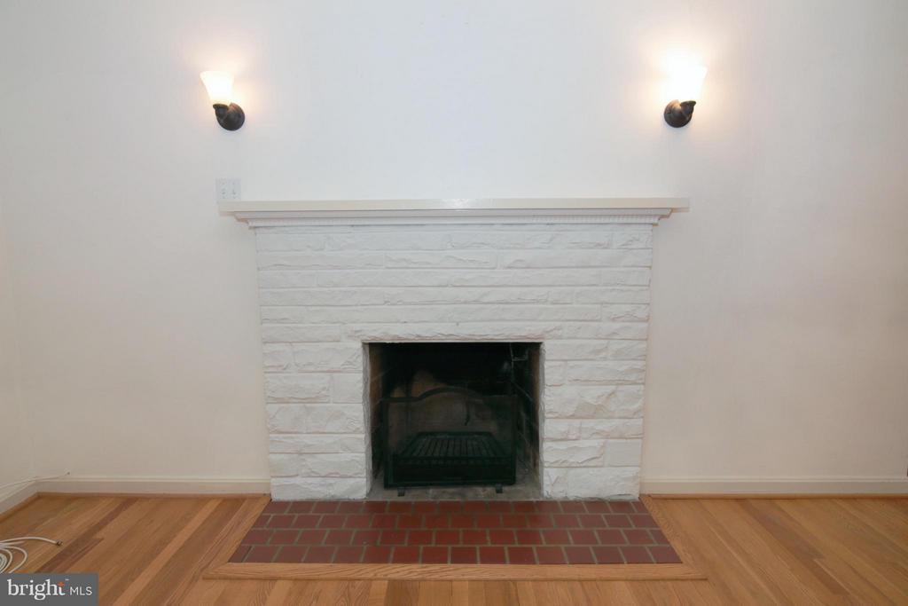 Living Room Fireplace and Mantel - 3812 SLEEPY HOLLOW RD, FALLS CHURCH