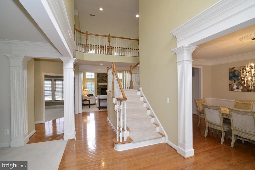 Main Level Foyer - 43283 THADDEUS LN, LEESBURG