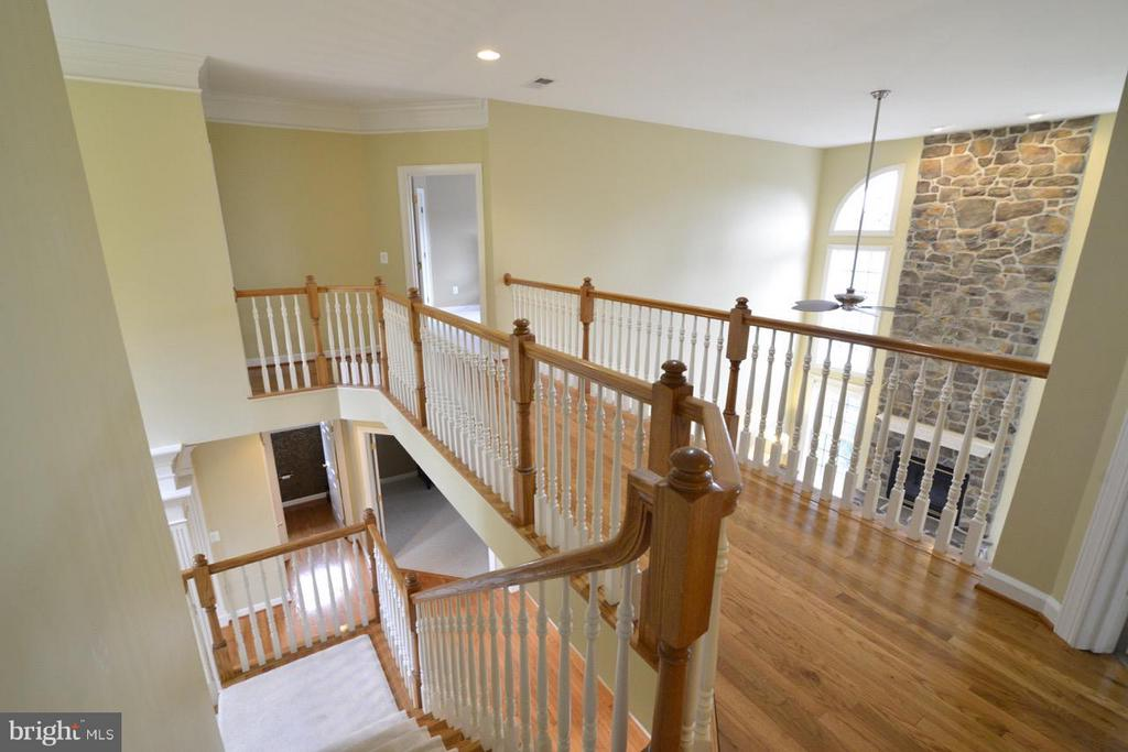 Upper Level Landing - 43283 THADDEUS LN, LEESBURG