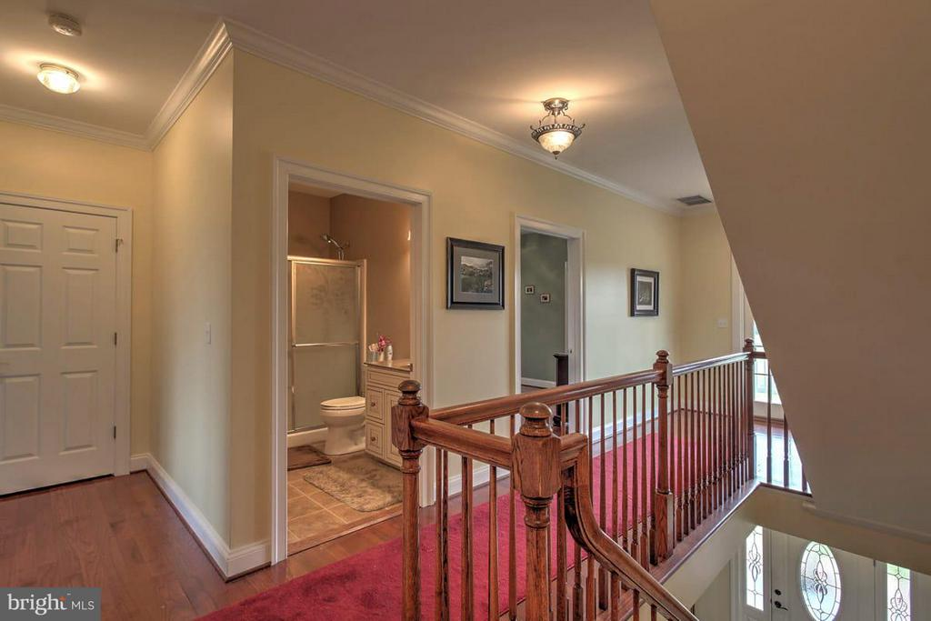 Upstairs Landing - 2921 DUCKER DR, LOCUST GROVE