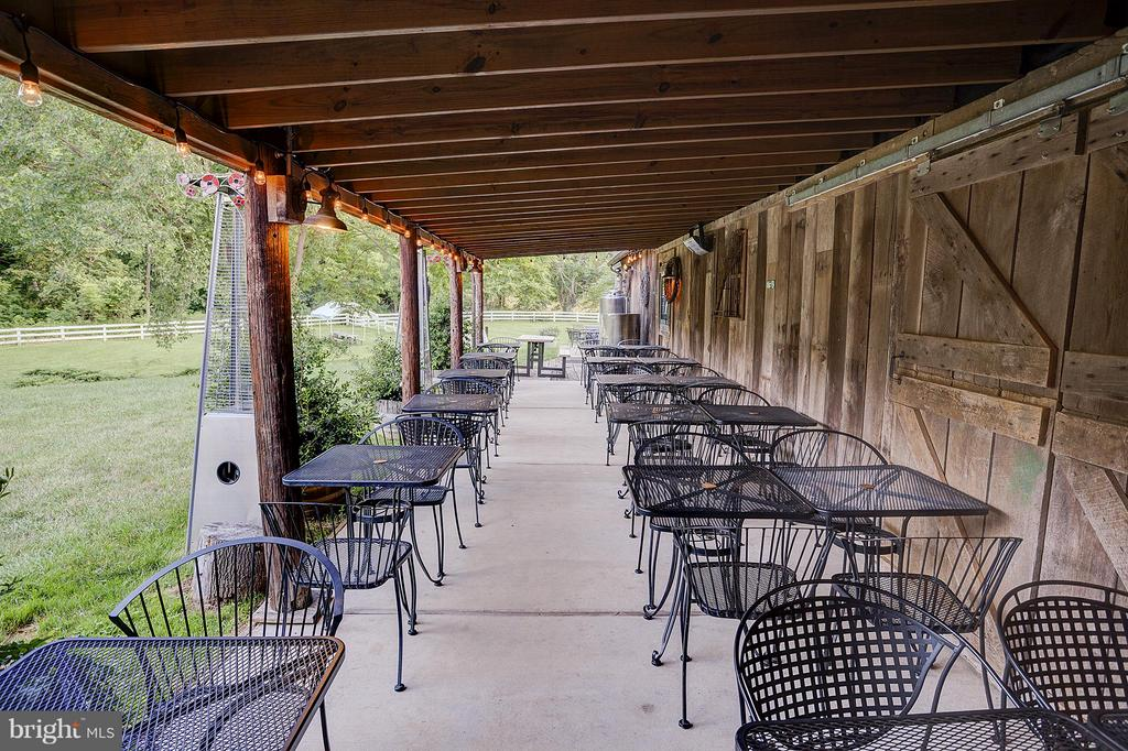 Plenty of covered seating - 18195 DRY MILL RD, LEESBURG