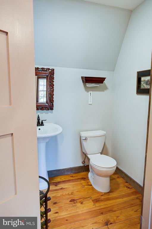 Bathroom - 18195 DRY MILL RD, LEESBURG