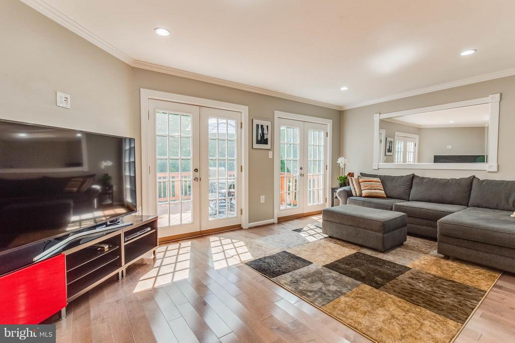 Light Filled Room - 6315 MARY TODD CT, CENTREVILLE