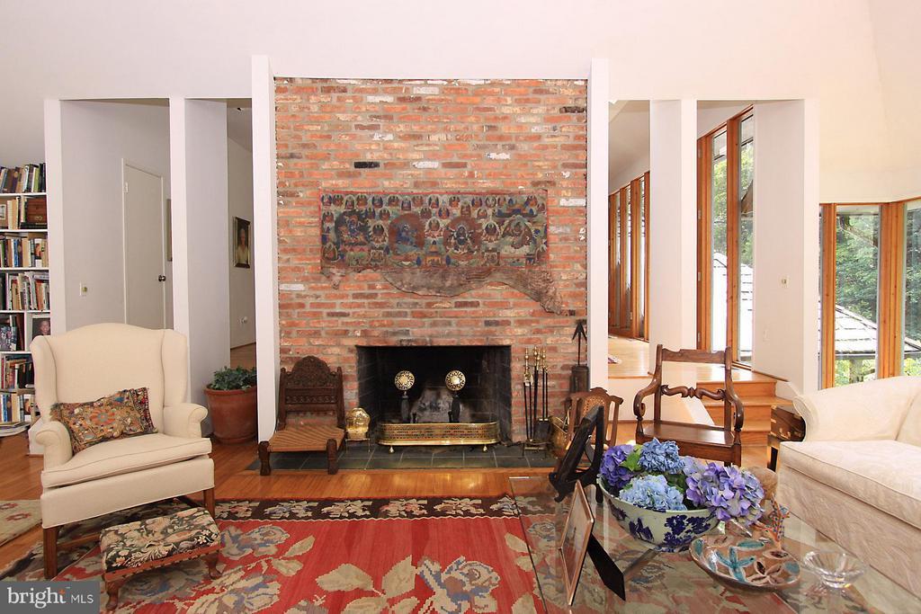 Living Room - 7708 GEORGETOWN PIKE, MCLEAN