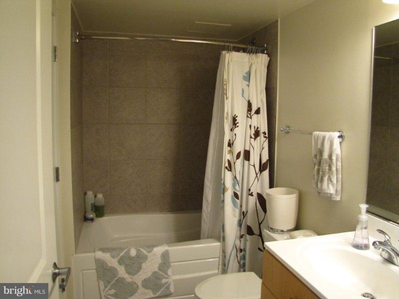 Bath (Master) - 820 POLLARD ST #505, ARLINGTON
