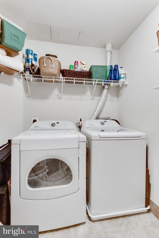 Laundry - 8220 CRESTWOOD HEIGHTS DR #316, MCLEAN