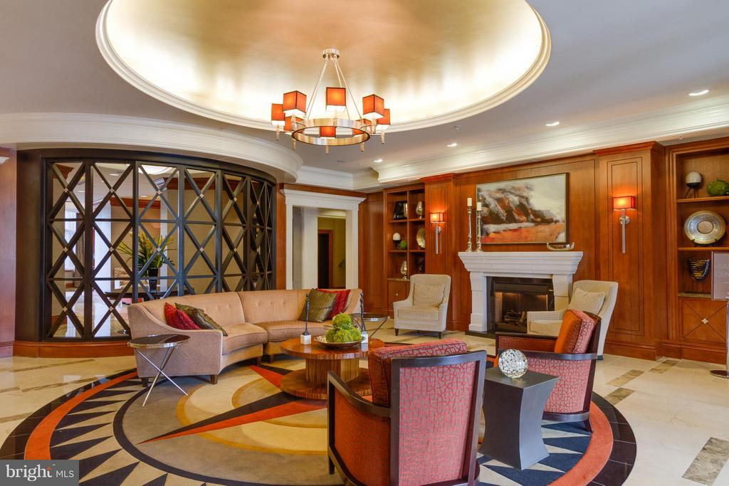 Community Lobby - 8220 CRESTWOOD HEIGHTS DR #316, MCLEAN
