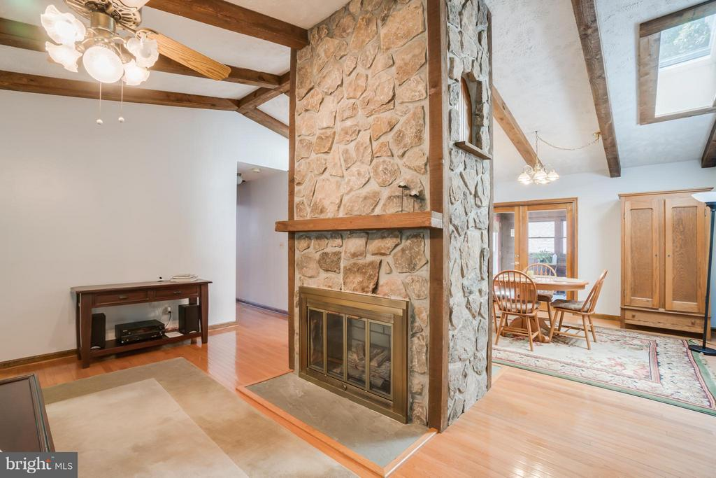 Floor/ceiling stone gas fireplace steals the show - 2310 LAKEVIEW PKWY, LOCUST GROVE
