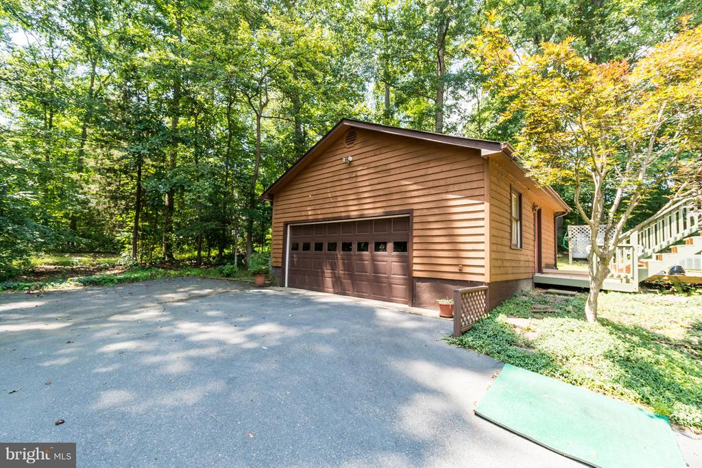 Separate 2 Car Detached Garage - Oversized! - 2310 LAKEVIEW PKWY, LOCUST GROVE
