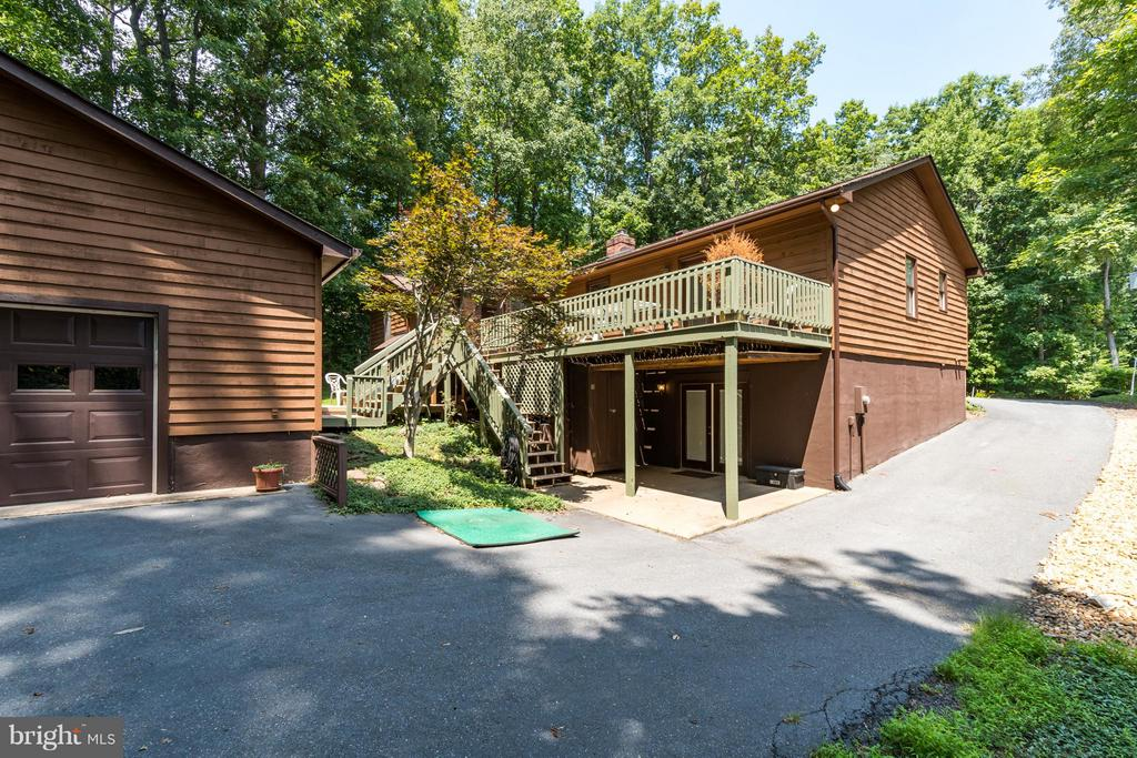 Enough space for all your toys! - 2310 LAKEVIEW PKWY, LOCUST GROVE