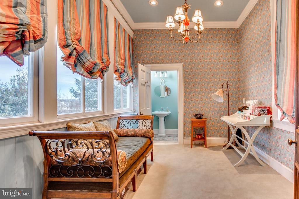 Bedroom (#3) W/Full Bath - 406 HANOVER ST, FREDERICKSBURG