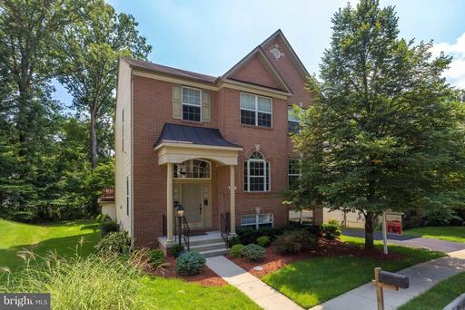 8907 DAY LILLY CT