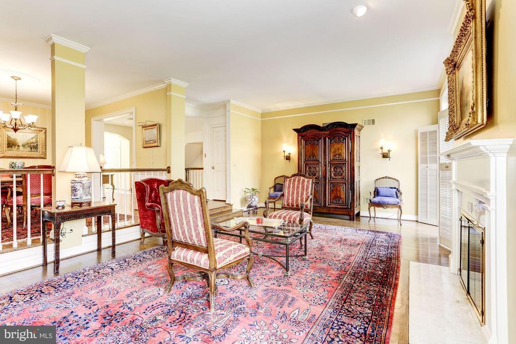 Formal Living Room - 3827 N. TAZEWELL ST, ARLINGTON