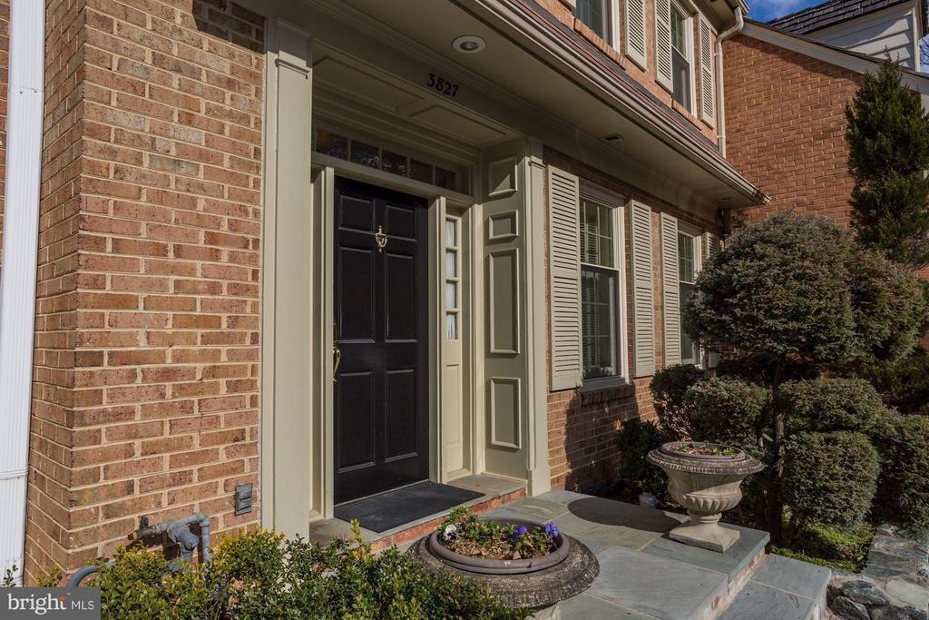 Front entrance with private one car driveway - 3827 N. TAZEWELL ST, ARLINGTON