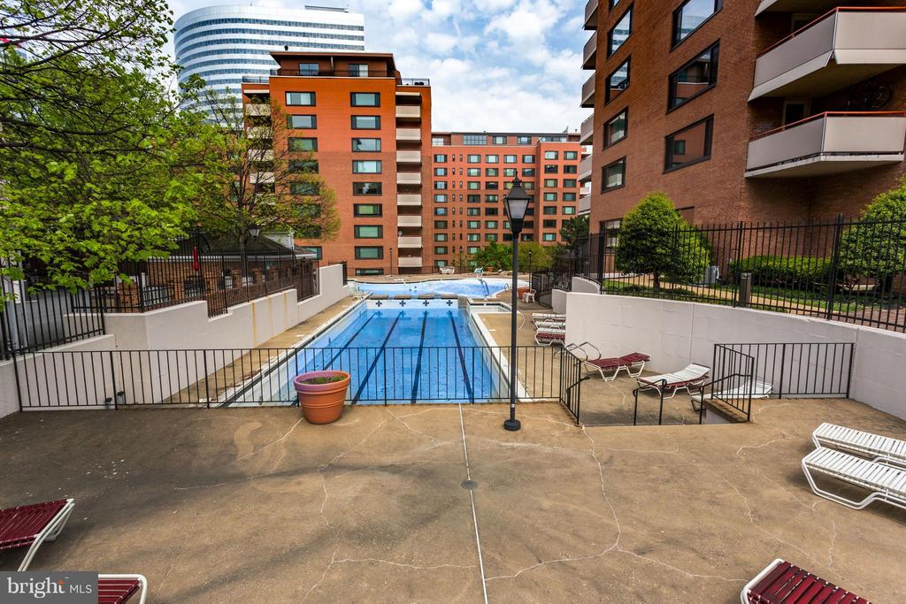 Pool - 1111 ARLINGTON BLVD #331, ARLINGTON